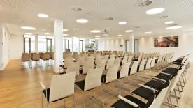 Tagungen und Konferenzen