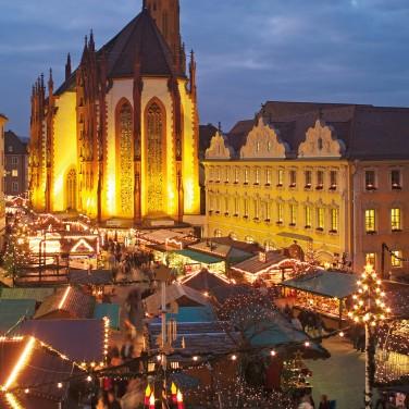 Weihnachtsmarkt auf dem Würzburger Marktplatz