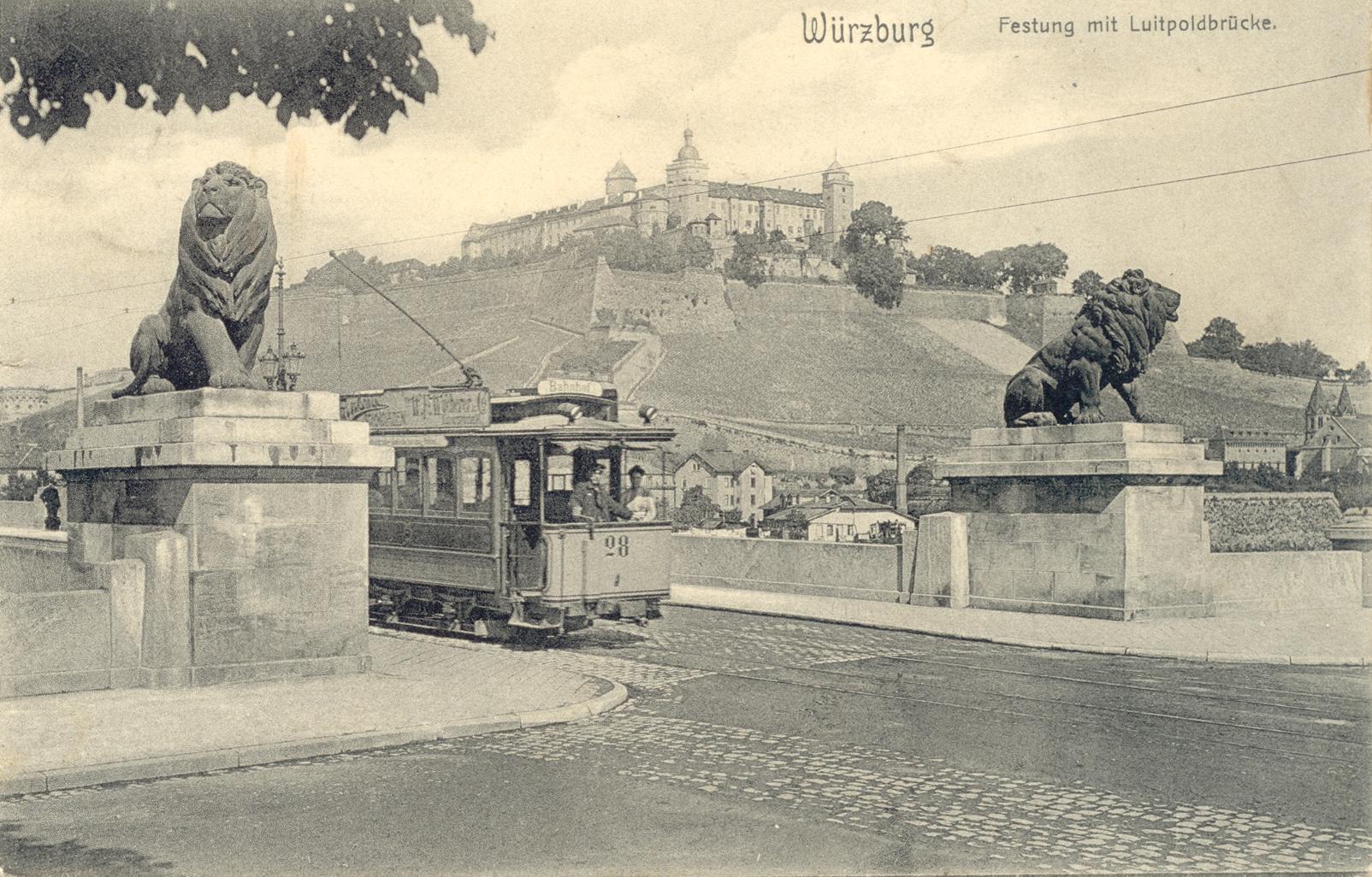 1901 Straba auf Löwenbrücke