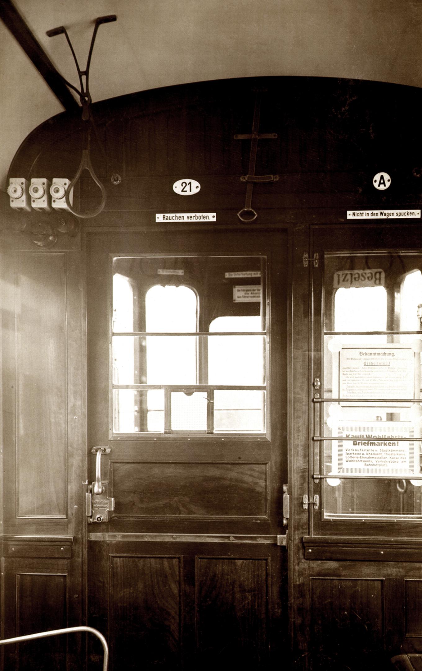 1931 Innenraum einer Straßenbahn